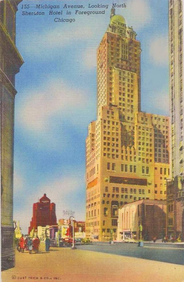 POSTCARD - CHICAGO - SHERIDAN HOTEL - FORMER MEDINAH CLUB - MICHIGAN AVE - LOOKING NORTH - 1954